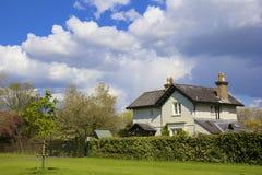 Casa di campagna inglese, Regno Unito immagini stock
