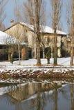 Casa di campagna in inverno Immagine Stock