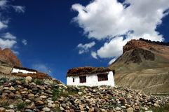 Casa di campagna tibetana immagini stock libere da diritti