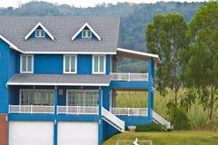 Casa di famiglia numerosa nella zona rurale Fotografie Stock Libere da Diritti