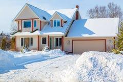 Casa di inverno Fotografie Stock Libere da Diritti