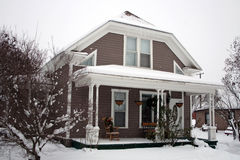 Casa di inverno dello Snowy Immagine Stock Libera da Diritti