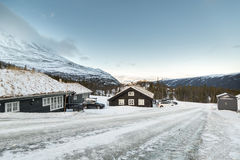 Casa di inverno in montagne immagine stock libera da diritti