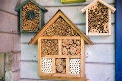 Casa di legno del lacewig per le api Immagini Stock Libere da Diritti