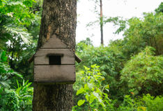 Casa di legno dell'uccello immagine stock