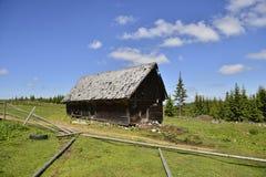 Casa di legno della montagna Immagini Stock Libere da Diritti