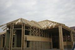 Casa di legno fatta di paglia Immagini Stock