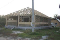 Casa di legno fatta di paglia facade Fotografia Stock