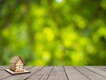 Casa di legno miniatura Immagine Stock Libera da Diritti