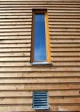 Casa di legno moderna della finestra Fotografia Stock