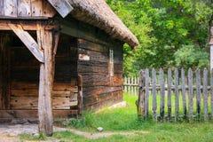 Casa di legno molto vecchia Immagine Stock