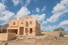 Casa di legno di legno Pearland in costruzione, il Texas, U.S.A. Immagine Stock