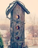 Casa di legno rustica dell'uccello Immagini Stock