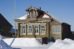 Casa di legno rustica russa delle fine del XIX secolo Fotografie Stock Libere da Diritti