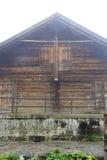 Casa di legno svizzera fotografia stock libera da diritti