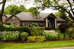 Casa di lusso del giardino Fotografie Stock