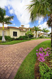 Casa di lusso di Florida con le colonne Fotografia Stock