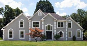 Casa di lusso recentemente costruita Fotografie Stock