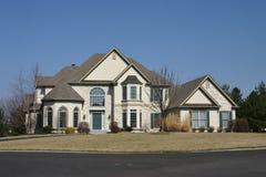 Casa di lusso suburbana Fotografia Stock