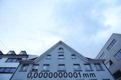casa di nanometro di 0,0000000001 millimetro in Bregenz fotografie stock