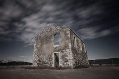 Casa di pietra distrutta ed abbandonata Fotografia Stock Libera da Diritti