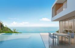Casa di spiaggia con la vista del mare nella progettazione moderna Fotografia Stock