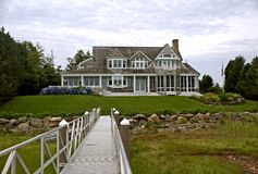 Casa di stile della Nuova Inghilterra fotografia stock