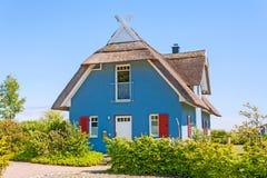 Casa di vacanza, casa del ricoprire di paglia-tetto Fotografie Stock