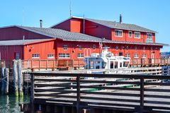 Casa di vacanza di lusso di House del pilota sul lungomare lungo il fiume Columbia in Astoria del centro fotografia stock libera da diritti