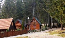 Casa di vacanza nelle montagne fotografia stock libera da diritti
