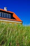 Casa dinamarquesa típica em Jutland, Dinamarca Fotografia de Stock Royalty Free