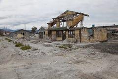 Casa distrutta dopo l'eruzione del vulcano in Chaiten. Fotografia Stock