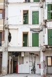 A casa do estudante destruída por um terremoto em L'Aquila em Abr Foto de Stock