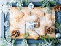 A casa do inverno fez cookies para o Natal Fotografia de Stock