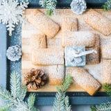 A casa do inverno fez cookies para o Natal Vista superior quadrada Imagens de Stock