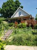 A casa do jardim imagens de stock royalty free