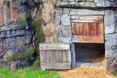 Casa do jardim zoológico dos animais imagens de stock royalty free