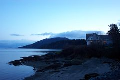 Casa do lago fotografia de stock royalty free