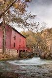 Casa do moinho da mola da aléia Imagens de Stock Royalty Free