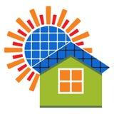 Casa do painel solar - vector a ilustração com sol e casa ilustração stock