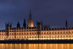 Casa do parlamento na noite fotografia de stock