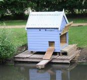 Casa do pato. imagens de stock