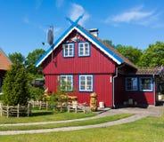 A casa do pescador tradicional em Nida, Lituânia Fotos de Stock Royalty Free