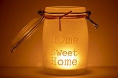 Casa doce da casa com iluminação do humor fotos de stock