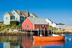 Casa e barche del pescatore. Fotografie Stock