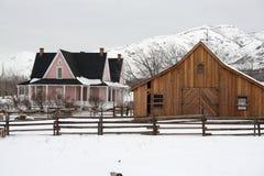 Casa e celeiro do parque da herança Imagens de Stock Royalty Free
