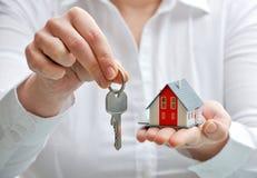 Casa e chaves Imagem de Stock