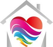 Casa e coração feitos das ondas, das ondas do arco-íris, do pintor e do logotipo do jardim de infância ilustração royalty free