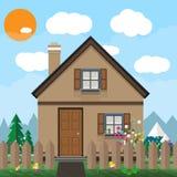 Casa e jardim de madeira de Brown com flores montanhas, céu azul, nuvens brancas Sun Fundo do verão, vetor Imagens de Stock Royalty Free