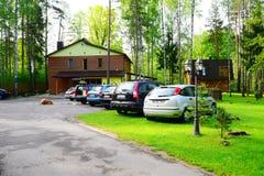 Casa e natureza no distrito de Panevezys perto da vila de Karsakiskis Imagens de Stock Royalty Free
